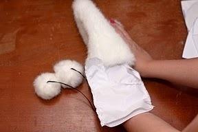 кошачьи лапки, кошачьи следы, варежки кошачьи лапки, как сшить варежки, варежки из меха мастер-класс